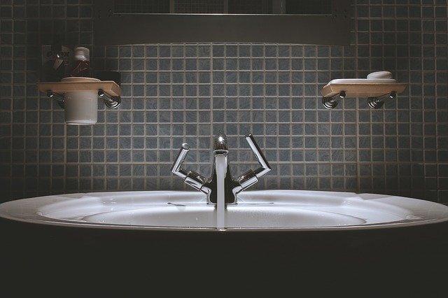 jak odnowić łazienkę